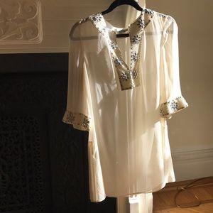 Woman's tunic blouse
